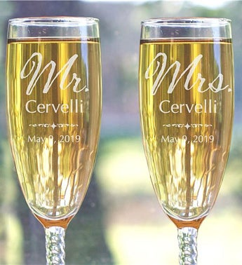 Personalized Mr. and Mrs. Wedding Toasting Flutes
